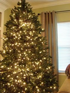How to make your artificial tree look fuller and brighter! I am so excited  about