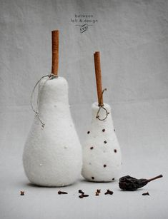 This white pear with a stick of cinnamon can be used as a fragrant sachet and as a decor for your room. Fill up your everyday life with impressions! Sachets, Ethical Fashion, Felting, Home Accessories, Pear, Boho Fashion, Cinnamon, Fill, Sweet Home