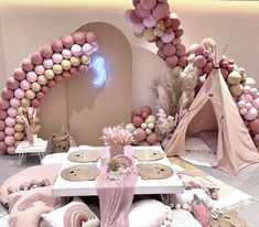 Sleepover Party Fun #sleepoverparty Boho Wedding Decorations, Balloon Decorations, Picnic Decorations, Birthday Table Decorations, Burgundy Table Runner, Sleepover Party, Party Party, Party Ideas, Boho Baby Shower