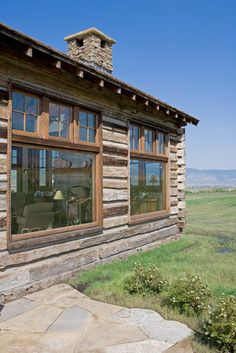 Yellowstone Homestead, Montana Reclaimed Lumber Co. Photo by Michael Zilz - Zilz Productions