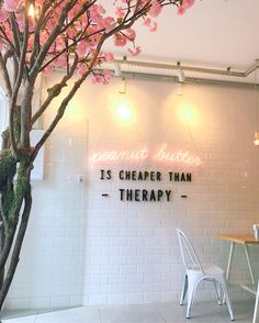 The tree in the corner Bakery Shop Design, Coffee Shop Design, Restaurant Design, Store Design, Bakery Interior, Cafe Interior Design, Cafe Design, Pink Cafe, Beauty Salon Interior