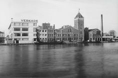 Old picture of the Verkade (cookies and chocolate) Factory in Zaandam, the Netherlands Chocolate Factory, Windmill, Old Pictures, Netherlands, Amsterdam, Dutch, New York Skyline, Old Things, The Originals