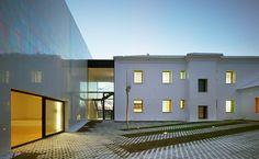Proyectos de arquitectura y urbanismo . COR & asociados