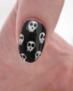 Skull Nail Art~ I'd rock it! Really Cute Nails, Cute Nail Art, Cute Acrylic Nails, Pretty Nails, Skull Nail Art, Skull Nails, Grunge Nails, Swag Nails, Garra
