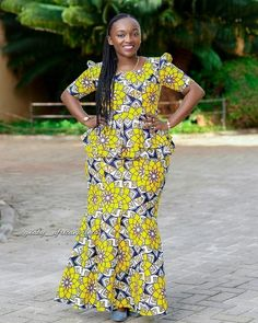 Top Ankara Skirt And Blouse for African Women I anticipate we can all accede that the built-in styles this year are absolutely bad-ass. African Dresses For Women, African Men Fashion, African Print Dresses, African Fashion Dresses, African Attire, African Wear, African Women, Ankara Skirt And Blouse, Ankara Dress