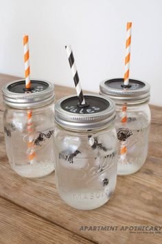 How to make #Halloween mason jar glasses by Apartment Apothecary