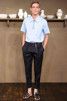 See all the Collection photos from Carven Spring/Summer 2014 Menswear now on British Vogue Vogue Paris, Men's Summer Fashion Trends, Men Fashion Show, Mens Fashion, Valentino, Julien David, Paris Mode, Men Design, Carven