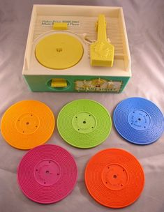 1984 Fisher Price Sesame Street Record Player - Complete with all 5 Records and works great! Vintage Toy on Etsy Retro Toys, Vintage Toys, Retro Vintage, Childhood Toys, Childhood Memories, 1970s Childhood, Sweet Sixteen, Kitsch, Old School Toys