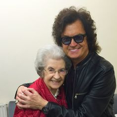 With Mom last night in the Black Country sold out show. Words cannot express how I feel about you. Seeing Dad today...