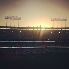 THINK BLUE: Last Friday night sunset over Dodger Stadium. #dodgers #dodgerstadium #baseball #dodgersgiants #palmtrees #losangeles #la #roadtrip #sunshine #sunset by seya_
