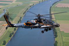 RNLAF AH-64D Apache demo team