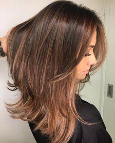 """7,451 curtidas, 82 comentários - TRUSS HAIR (@trusshair) no Instagram: """"Toda beleza e naturalidade de um castanho iluminado. Sim, você pode colorir ou descolorir mantendo…"""""""