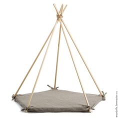 Build tepee yourself - great pictures and easy DIY instructions Kids Tents, Teepee Kids, Teepee Tent, Teepees, Diy Tipi, Play Houses, Diy For Kids, Kids Playing, Kids Bedroom