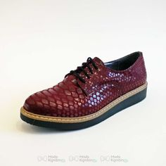 Bayan Oxford Ayakkabı Modelleri - //  #bayanoxfordayakkabımodası #bayanoxfordayakkabımodelleri Modeller için tıklayın = https://www.modakombin.net/bayan-oxford-ayakkabi-modelleri-h2883.html
