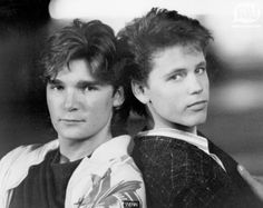The two Coreys: Corey Feldman Corey Haim. Teen heartthrobs in the RIP Corey Haim. Corey Feldman Corey Haim, The Lost Boys 1987, Black And White Portraits, Teenage Years, No One Loves Me, Beautiful Boys, Cute Guys, Childhood Memories, Actors & Actresses