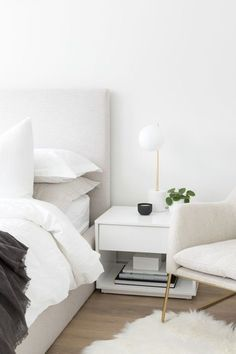 modern bedroom ideas. modern design. home design. industrial modern home. Room Ideas Bedroom, Small Room Bedroom, Home Bedroom, Modern Bedroom, Bedroom Decor, Master Bedroom Minimalist, Minimalist Nightstand, Home Room Design, House Rooms