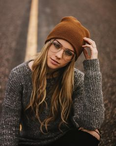 New glasses outfit winter hipster fall 45 ideas Hipster Stil, Style Hipster, Hipster Looks, Hipster Girls, Vintage Hipster, Trendy Style, Winter Hipster, Cute Hipster Outfits, Hipster Clothing