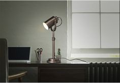 WINZOR COLLECTION AMERICAN COUNTRY WOOD TABLE INDUSTRIAL LIGHT