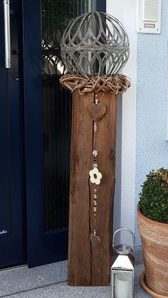 Wooden beams as decoration at the entrance - Garden Art Sculptures Wind Spinners, Bird Bath Garden, Diy Wind Chimes, Olive Garden, Metal Garden Art, Diy Art Projects, Wooden Decor, Garden Styles, Better Homes And Gardens
