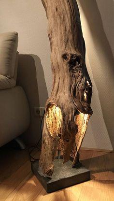 Floor lamp of weathered and old hollow Oakwood branch Antike hohle Eichenzweig-Stehlampe Driftwood Lamp, Driftwood Projects, Driftwood Sculpture, Rustic Lighting, Lighting Ideas, Modern Lighting, Wooden Lamp, Brass Lamp, Light Oak