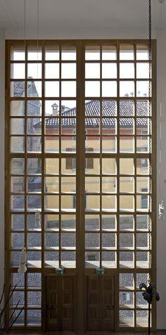 Laudense Library, Lodi, 2013 - architetto Michele De Lucchi #window #library #italy