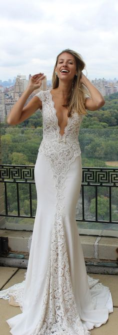 We just adore the relaxed fall, and sexy neckline of this @bertabridal gown - such a perfect combination!