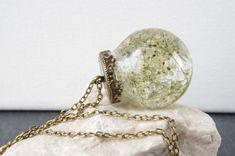 Queen Anne's Lace necklace Flower Pendan by NewJewelleryStory