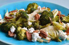 Als je nog nooit geroosterde broccoli hebt gegeten, dan is dit jouw recept en jouw moment. Klik hier voor het recept van geroosterde broccoli en venkel met geitenkaas Good Mood, Broccoli, Food And Drink, Low Carb, Favorite Recipes, Pasta, Lunch, Vegetables, Cooking
