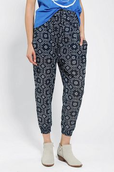 #UrbanOutfitters          #Women #Bottoms           #constructio #geometric #comfy #lounge #sure #stars #unique #closure #pockets #mix #waist #lightweight #majestic #cotton #pant #super                       Staring At Stars Majestic Lounge Pant               Overview:* Comfy lounge pant crafted from cotton by Staring at Stars* Topped with a unique mix of tiled geometric motifs* Banded waist with drawstring closure for a sure fit* Comfy, super lightweight construction* 2 low-slung pockets at…
