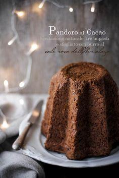 Pandoro al cacao A lievitazione naturale, tre impasti, sfogliato al sale rosa…