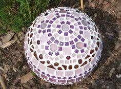 mosaik gartenkugel idee mit anleitung klick auf besuchen die mosaikkugeln sind ein. Black Bedroom Furniture Sets. Home Design Ideas