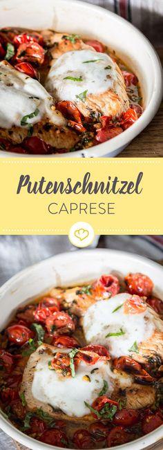 Dieses Putenschnitzel tummelt sich mit Kirschtomaten in deiner Pfanne. Mozzarella und ein Schuss Balsamico-Essig sorgen für Italien-Feeling.