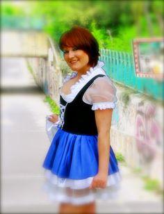 Bembel Dirndl & Trachtenmoden | Bembel-Girl Model Miri beim Probeshooting in den Niddawiesen. - Mehr findet Ihr unter www.Bembeltown.de | Bembeltown Design and more... Burgfriedenstrasse 17, 60489 Frankfurt | #Trachten #Trachtenmode #Hessen #Frankfurt #Geripptes #Mode #Fashion #Oktoberfesttracht #Apfelwein