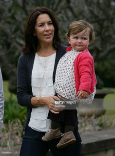 Their Royal Highnesses Crown Princess Mary and Princess Isabella of Denmark pose during a media call at Government House on September 4, 2008 in Sydney, Australia. This will be the final public appearance for the Danish Royal family during this visit to Australia.  (Photo by Don Arnold/WireImage)  *** Local Caption ***