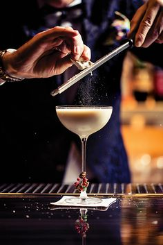 This decadent holiday cocktail from Mr. Coco in Las Vegas uses heavy cream infused with toronne, a traditional Italian candy popular at the holidays. cocktails Winter Blanket, a Holiday Cocktail Brandy Cocktails, Blue Cocktails, Winter Cocktails, Holiday Cocktails, Whiskey Cocktails, Italian Candy, Las Vegas Bars, Strawberry Wine, Winter Blankets