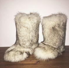 #snowboots #luxuryboots #eskimoboots #winteriscoming #bootsfoxfur #perfectforyou