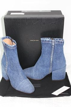 Get the must-have boots of this season! These Dries van Noten Denim Blue Box Jean Ankle Rare 2017 New Boots/Booties Size US Regular (M, B) are a top 10 member favorite on Tradesy. Denim Boots, Jeans And Boots, Leather Boots, My Jeans, Jeans Style, Blue Denim, Blue Jeans, Blue Boots, Recycling