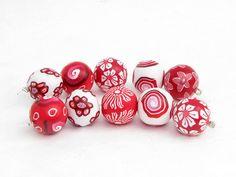 Rot und weiß Perlenset aus Polymer Clay von polymerdesign auf Etsy