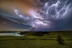 Illuminated mammatus clouds - Photography by Marshall Lipp Mammatus Clouds, Photos 2016, The Weather Channel, Severe Weather, North Dakota, Heaven On Earth, Natural World, Amazing Nature, Sky