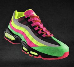More awesome stripes on NikeID shoes