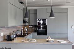 Lovely gray kitchen in Kanerva V-96 - Asuntomessut 2014 housing fair.