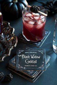 halloween drinks This dark, sweet, blackberry-and-vodka cocktail appropriately named the Black Widow may have a venomous bite. Drink it if you dare. Click through for the recipe and more killer cocktails for your Halloween party. Cocktail Drinks, Fun Drinks, Yummy Drinks, Cocktail Recipes, Beverages, Fall Cocktails, Cocktail Parties, Drinks Alcohol Recipes, Halloween Food For Party