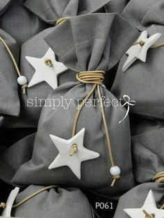 (notitle) – baby shower & baptism favors Related posts:DIY Gift in Glass: Origami Heart from Bills, - G. Baptism Favors, Baby Shower Favors, Baby Shower Parties, Homemade Wedding Favors, Gold Wedding Favors, Diy Gift For Bff, Diy Gifts, Boy Baptism, Christening