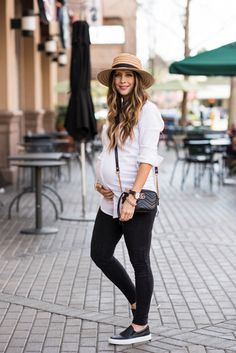 Two Looks in the Comfiest Sneakers | spring style | spring fashion | spring outfit ideas | maternity fashion | maternity to style | pregnancy fashion | warm weather fashion || The Girl in the Yellow Dress