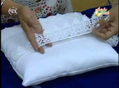 Como hacer cestas para celebraciones ( detalles de bodas, comunión, bautizos, 15 años ) - YouTube Wedding Ring Cushion, Wedding Pillows, Cushion Ring, Wedding Crafts, Diy Wedding, Wedding Events, Wedding Engagement, Embroidery Bags, Burlap Pillows