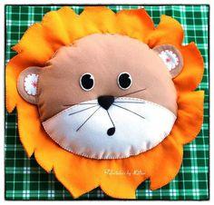 Cojín león