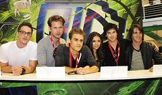 Matthew Davis, Ian Somerhalder, Paul Wesley, Michael Trevino, Steven R. McQueen and Nina Dobrev at event of The Vampire Diaries Vampire Diaries Workout, Vampire Diaries Shirts, Vampire Diaries Fashion, Vampire Diaries Quotes, Vampire Diaries Stefan, Vampire Diaries Cast, Vampire Diaries The Originals, Humor Venezolano, Steven Mcqueen