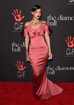 zac posen Rihanna+Rihanna+1st+Annual+Diamond+Ball+Benefitting+F-hcqBulpbyx