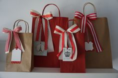 Creative Gift Wrapping, Creative Gifts, Gift Bags, Wraps, Packing, Holiday Decor, Red, Hamper Ideas, Home Decor