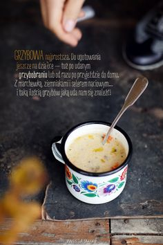 Zupa grzybowa z lanymi kluskami